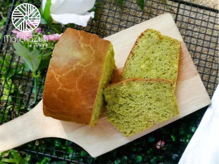 ขนมปังชาเขียวไวท์ช็อค White Choc Matcha Bread