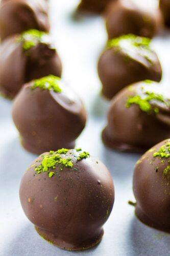 Matcha Chocolate Ball